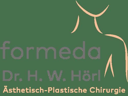 Ksenija borodina die Brust des Plaststoffs