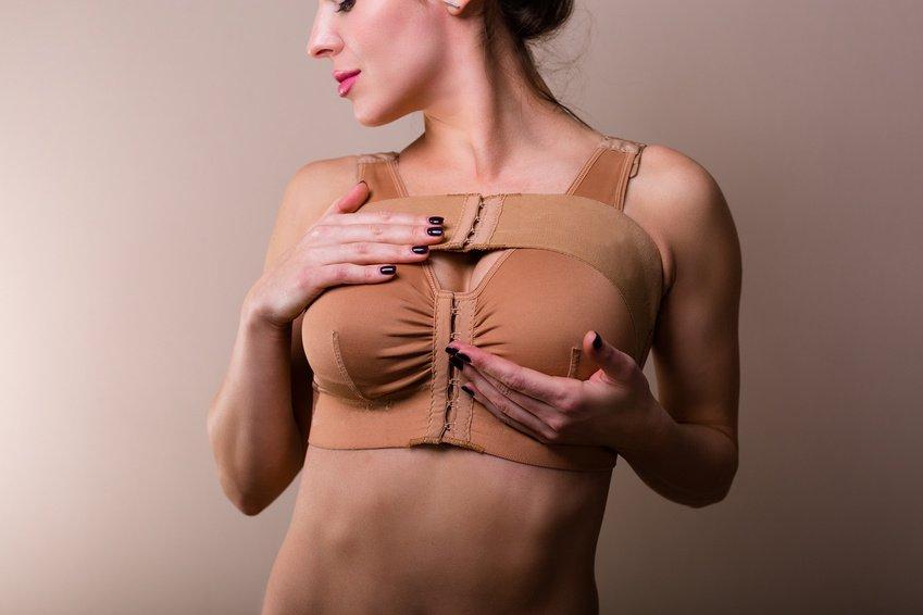 Wie Kompressionskleidung nach der Schönheits-OP hilft